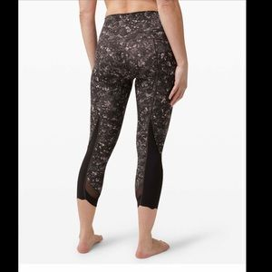 New LULULEMON Wunder Under Scallop Mesh Black 6